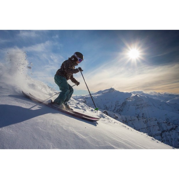 Skiing til sunset. PHOTO: Qfoto.com