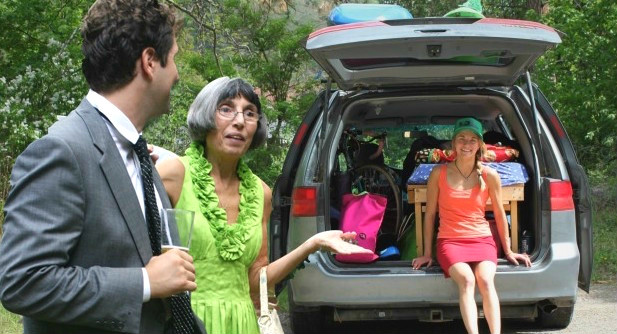 Daisy Alistair Rocks The Vanlife As Her Parents Look On In Confusion And Dismay Brooke Hess Quinn Dombrowski Photo